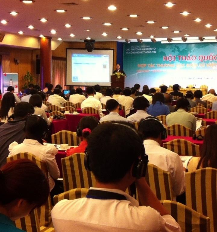 ベトナム・ホーチミン市にて開催の日越ECワークショップ講演の様子